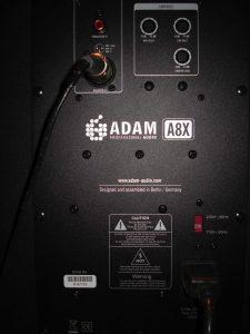 Adam-A8X-højttalertest