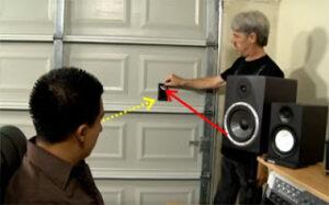 Find-det-primære-refleksionspunkt-rummet-akustik