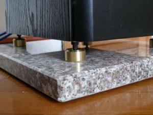 Højttaler-granit-pude
