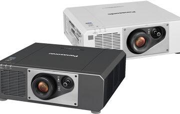 Hovedbillede af Panasonic PT-FRZ60 projektoren.