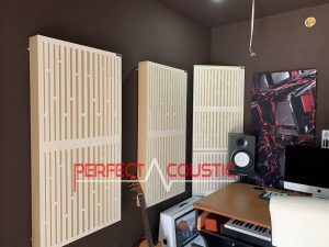 rum akustisk design med diffusor frontpanel akustiske paneler (4)