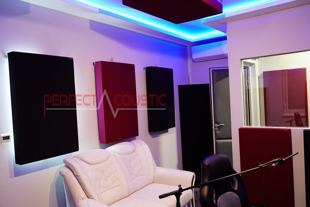 acoustic handling of a listening room