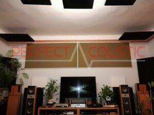 akustisk panel placeret i loftet i biografrummet (3)