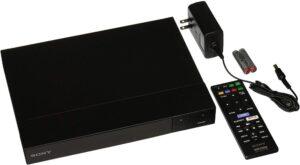 bdp-s6700-afspiller-med-kabel-og-fjernbetjening