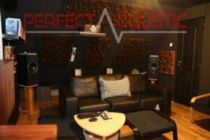 hjemmebiografs akustikdesign med akustiske absorbere