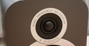 q-akustisk-nah-billede.