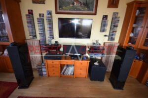 rum akustisk design med diffusor frontpanel akustiske paneler
