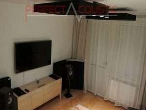 sorte loftspaneler i soveværelset