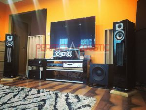 use-of-acoustic-diffusers-behind-the-speakers-4-300x225
